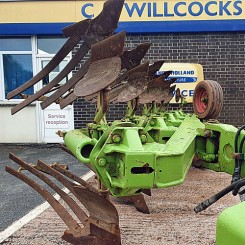 Used Reversible Plough - Dowdeswell 100 Series plough