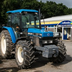 Used Tractors - New Holland 7740